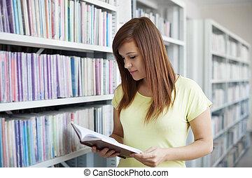 student lezen, in, bibliotheek