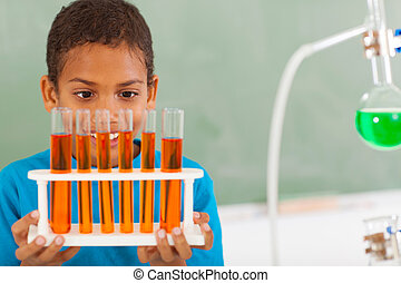 studente scuola elementare, in, classe scienza