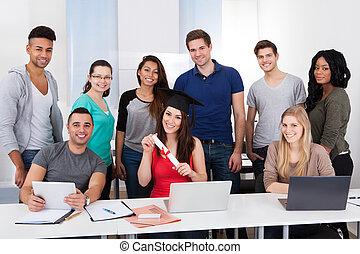 studente università, presa a terra, grado, in, aula