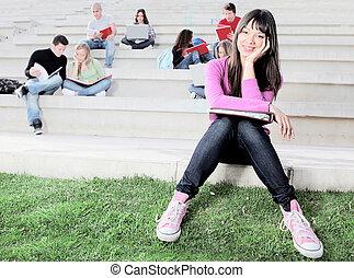 studenten, campus, arbeitende , draußen