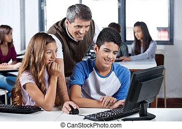 studenten, edv, fällig, gebrauchend, lehrer, glücklich
