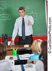 studenten, lehrer, zeigen, fällig