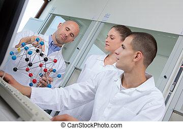 studenten, mit, lehrer, besitz, molekulares modell