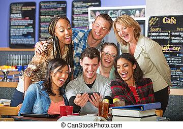 studenten, telefon, lächeln, fotoapperat