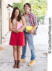 studenti, coppia, libri, giovane, presa a terra