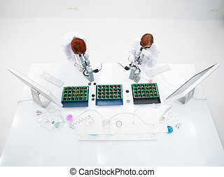 students  microscope lab analysis