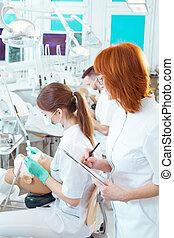 studerende, during, tandlægevidenskab, eksamen