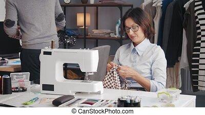 studio, concepteurs, adapter, habillement, compétent, mode