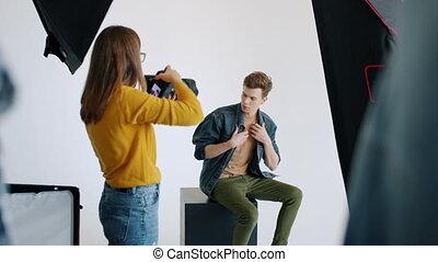 studio, séduisant, photo, charme, poser, étudiant, magazine...