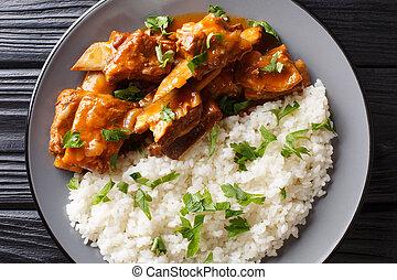 stufato, primo piano, piccante, piastra., costole, orizzontale, delizioso, servito, riso bianco, salsa, vista superiore