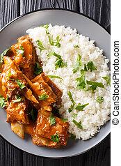 stufato, primo piano, piccante, piastra., verticale, costole, delizioso, servito, riso bianco, salsa, vista superiore