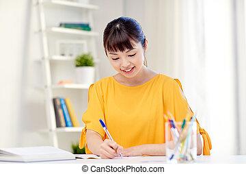 stundentin, junger, asiatisch, lernen, daheim, glücklich