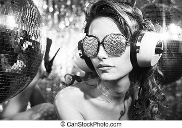 stunning sexy discoball head woman - stunning sexy disco...