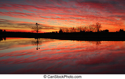 Stunning sunrise in rural Australia - Sensational sunrise in...