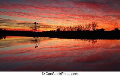 Stunning sunrise in rural Australia - Sensational sunrise in...