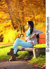 style de vie, délassant, concept., jeune, automnal, park., automne, girl