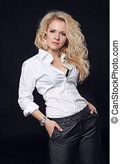 style, femme, chemise, bouclé, isolé, longs cheveux, poser, top model noire, blanc