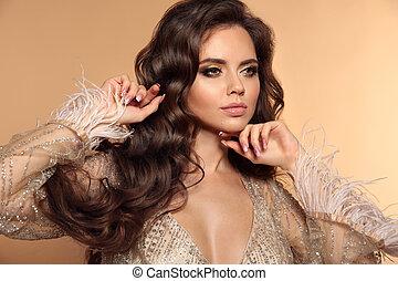 style, maquillage, long, isolé, sain, woman., beauté, brunette, modèle, ondulé, portrait, beige, sexy, arrière-plan., girl, hairstyle., poser, cheveux, beau, studio, magnifique