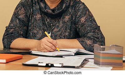 stylo, femelle transmet