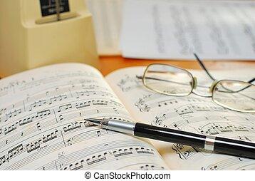 stylo, livre, musique