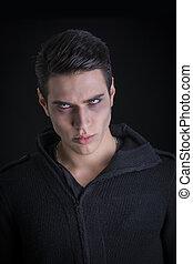 suéter, vampiro, joven, negro, retrato, hombre