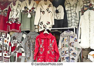 suéteres, venta, colorido, expuesto