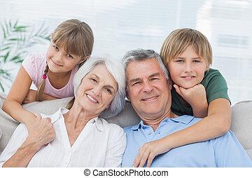 su, abuelos, nietos