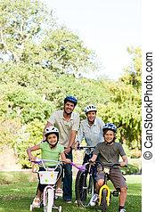 su, bicicletas, familia