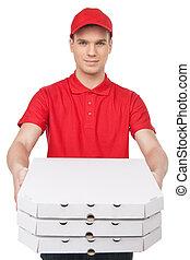 su, pizza!, extensión, aislado, aquí, joven, alegre, mientras, cajas, blanco, deliveryman, afuera, pila, pizza