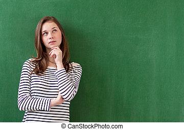 su., possibilità, immaginazione, malinconico, studente, pensare, concept., space., verde, contro, dall'aspetto, fondo., idee, futuro, lavagna, femmina, sporgente, ritratto, ragazza, copia, caucasico
