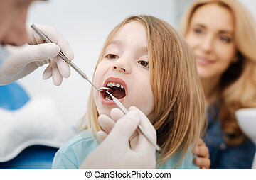 suave, pediátrico, odontólogo, fazendo, um, exame