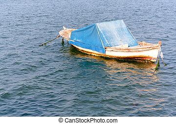 sub sea boat waiting to set sail.