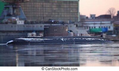 submarine to the pier