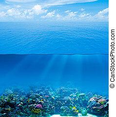 submarino, profundo, con, superficie del agua, y, cielo