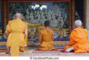 substr(three monks pray,0,200) - substr(buddhist monks pray...