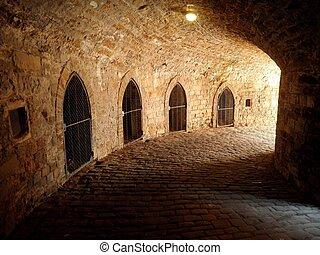 subterrâneo, calabouço, castelo, prisão