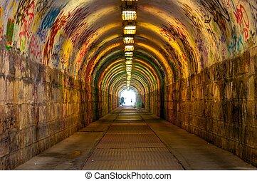 subterrâneo, urbano, túnel