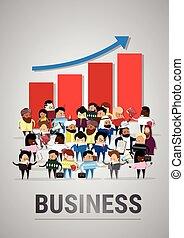 succès financier, professionnels, graphique, sur, haut, businesspeople, mélange, course, flèche, groupe, divers