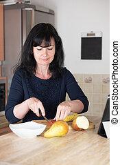 Successful woman preparing healthy breakfast