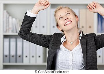 succesvolle , jonge, businesswoman, in, kantoor