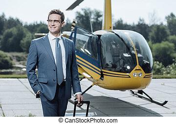 sucedido, compra, sendo, orgulhoso, jovem, ceo, helicóptero