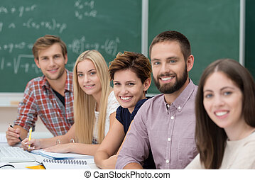 sucedido, estudantes, universidade, grupo, feliz