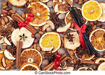 suchy, jabłko szatkuje, pomarańcza, przyprawy, boże...