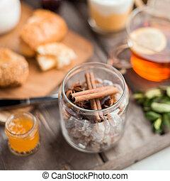 sugar and cinnamon in the jar