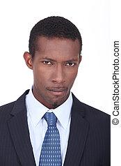 suit., czarny człowiek