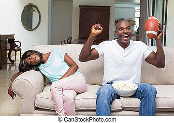 suivant, elle, petit ami, football, regarder, percé, séance femme