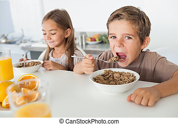 suivant, sien, soeur, garçon, céréale, manger
