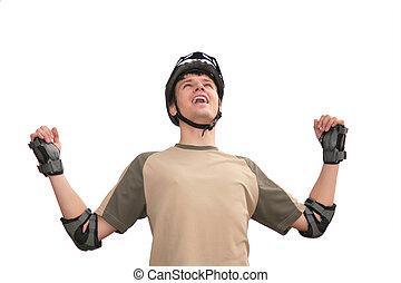 sujeito, em, capacete esportes, com, rised, mãos