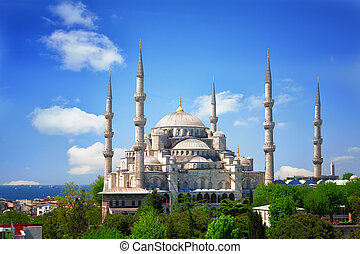 Sultan Ahmed Mosque (Blue mosque) in Istanbul in the sunny...