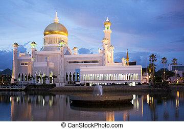Sultan Omar Ali Saifuddien Mosque, Brunei - Night image of...